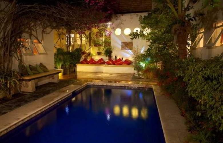 Hotel Los Milagros - Pool - 5