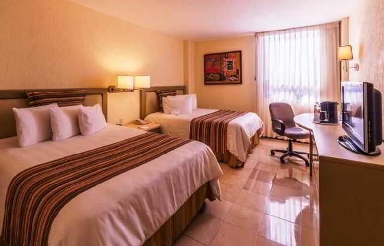 Ramada Hola Culiacán - Room - 12