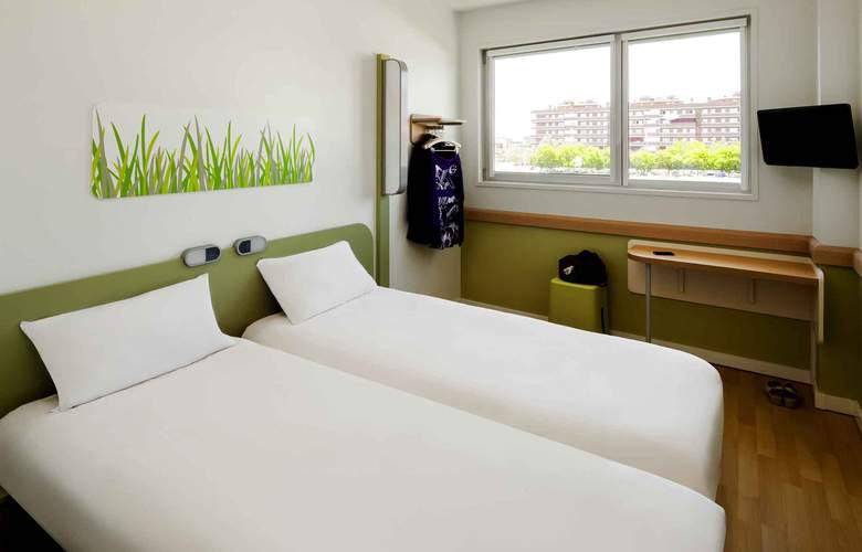 ibis budget Aeropuerto Barcelona Viladecans - Room - 4