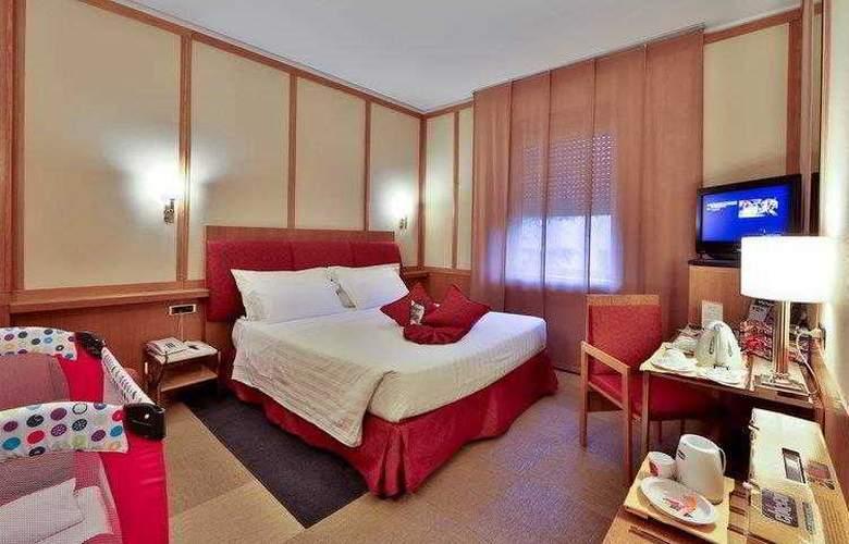 President - Hotel - 22