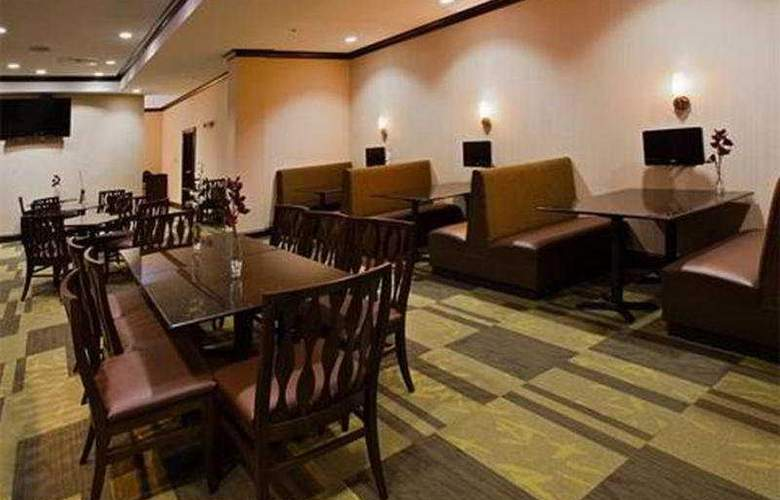 Holiday Inn Daytona Beach LPGA - Restaurant - 6
