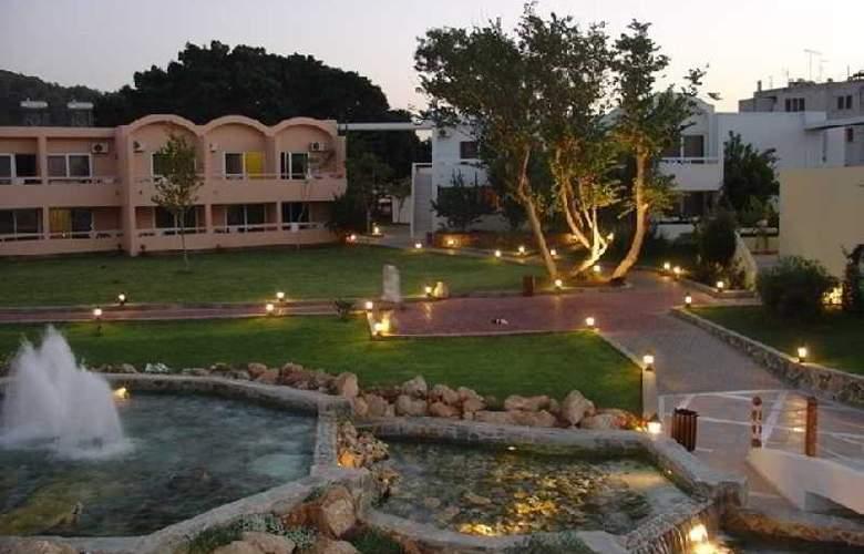 Avra Beach - Hotel - 9