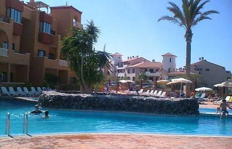 Grand Muthu Golf Plaza - Pool - 4