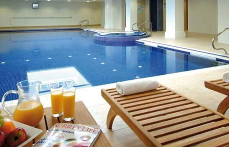 Savill Court - Pool - 2