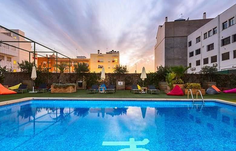 Tryp Valencia Feria - Pool - 3