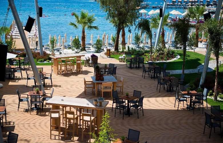 Ramada Resort Bodrum - Beach - 39