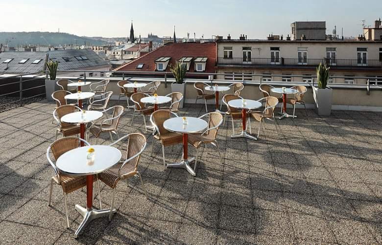 Novotel Praha Wenceslas Square - Terrace - 49