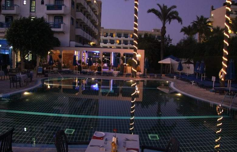 Anonymous Beach Hotel - Pool - 10