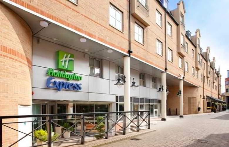 Holiday Inn Express London Hammersmith - Hotel - 0