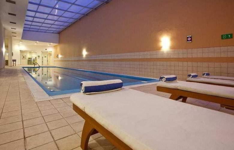 Holiday Inn Express Puebla - Pool - 26