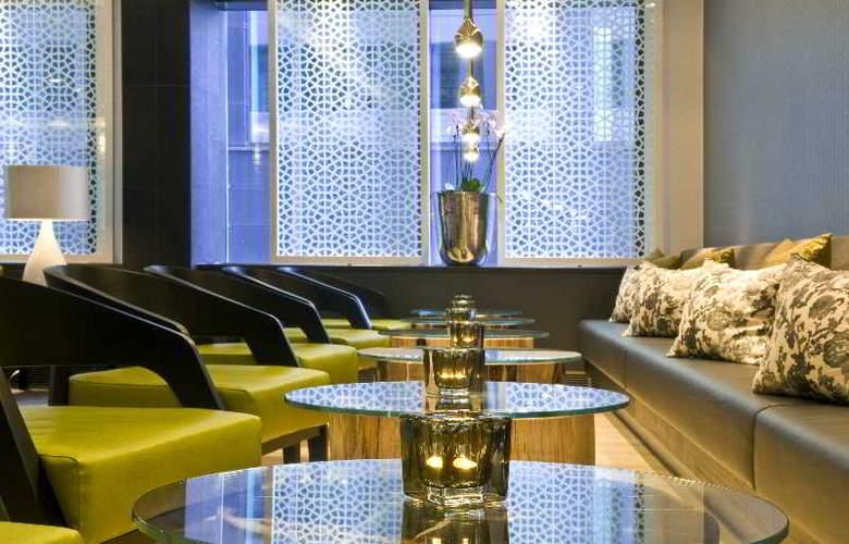 Radisson BLU Waterfront Hotel - Bar - 18