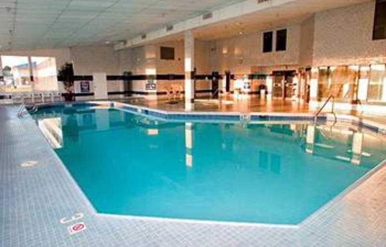 Shilo Inn Suites Idaho Falls - Pool - 3