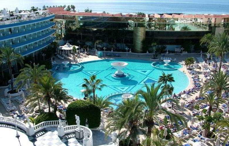 Mediterranean Palace - Pool - 7