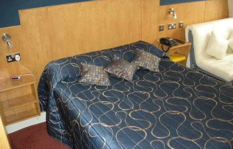 City hotel - Room - 4