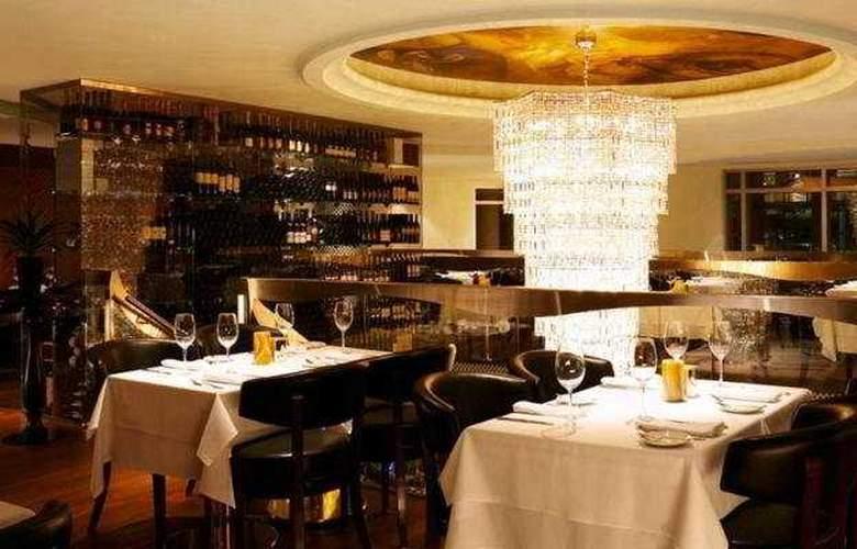 Le Crystal Hotel - Restaurant - 9