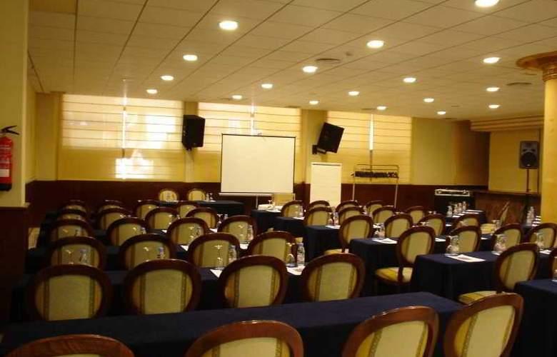 Palas Pineda - Conference - 4