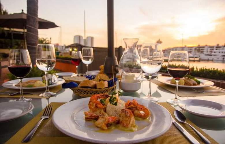 Flamingo Vallarta Hotel & Marina - Restaurant - 38
