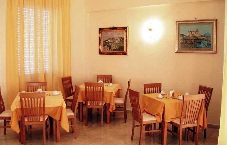 La Casa del Pellegrino - Restaurant - 9
