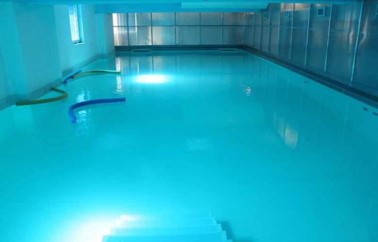 Plus Prague - Pool - 2