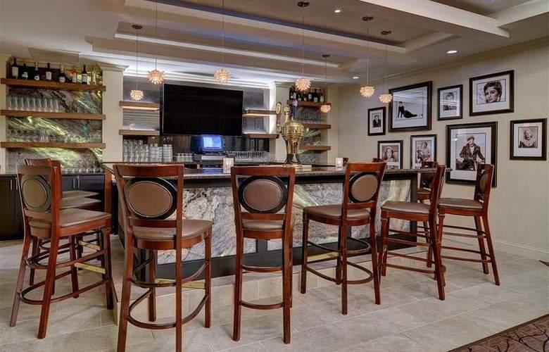 Best Western Premier Eden Resort Inn - Bar - 154