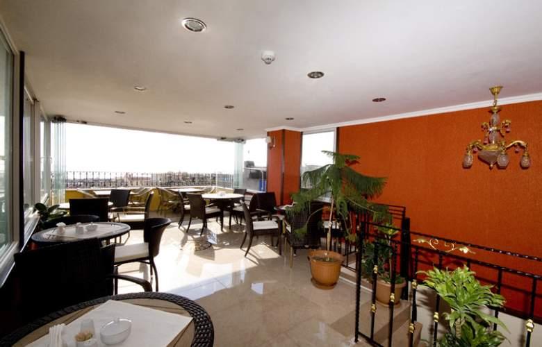 Elfida Suites Hotel - Terrace - 34