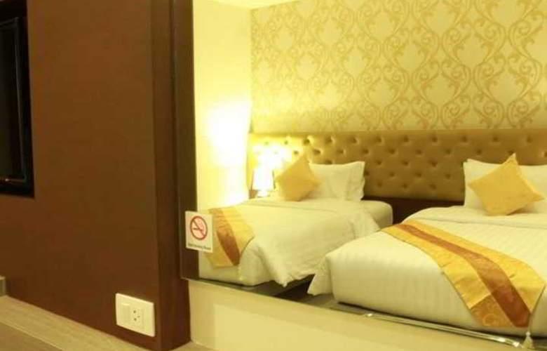 Hemingway's Silk Hotel - Room - 9
