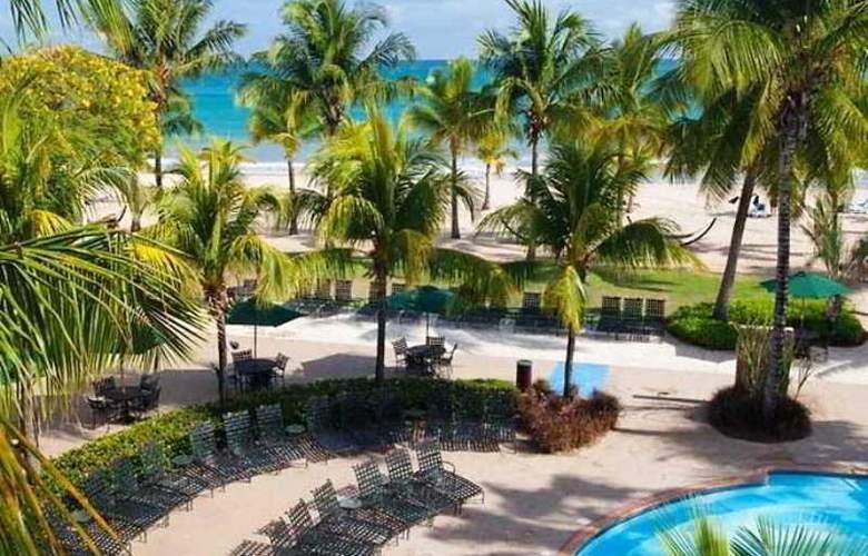 Courtyard by Marriott Isla Verde - Terrace - 2