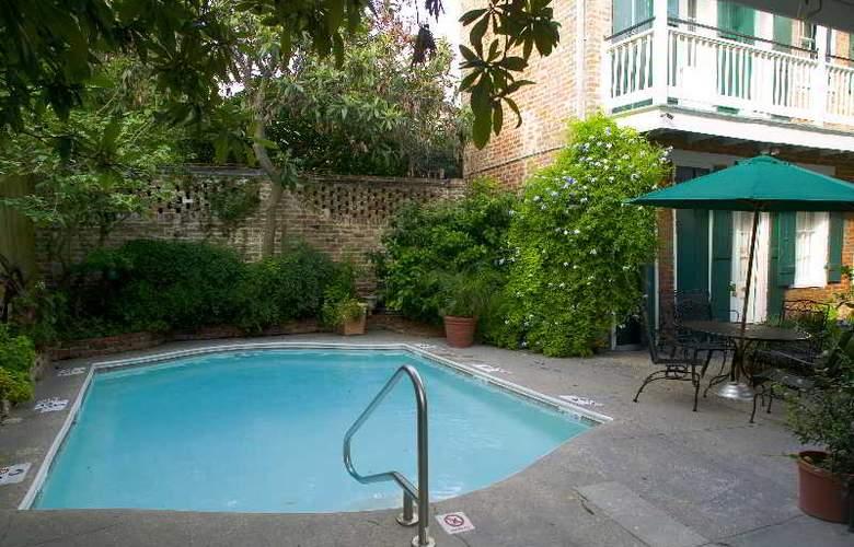 Hotel St Pierre - Pool - 2