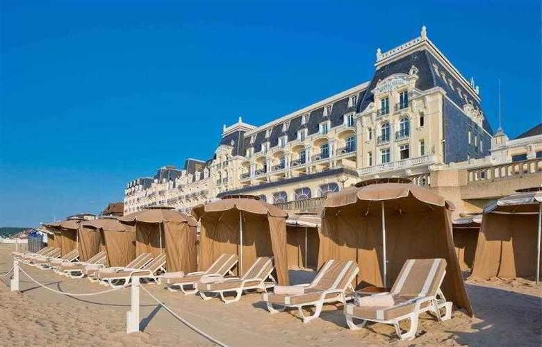 Le Grand Hôtel Cabourg - Hotel - 17