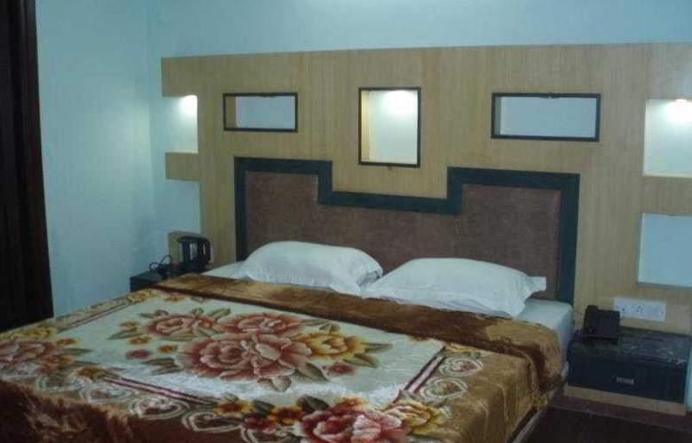 Raunak Plaza - Room - 9