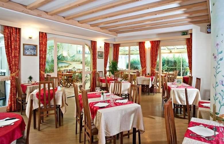 Athena - Restaurant - 3
