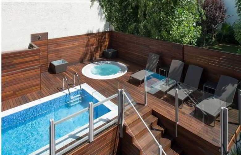 Catalonia Mikado - Pool - 8