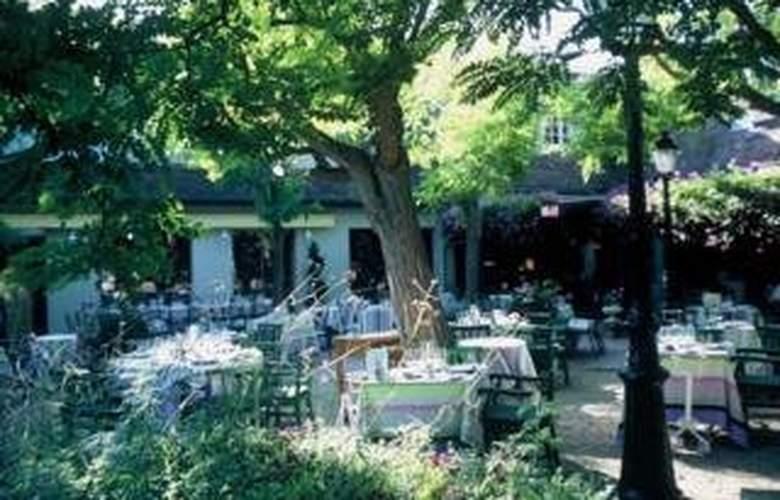 Relais and Chateaux Cazaudehore - Restaurant - 10