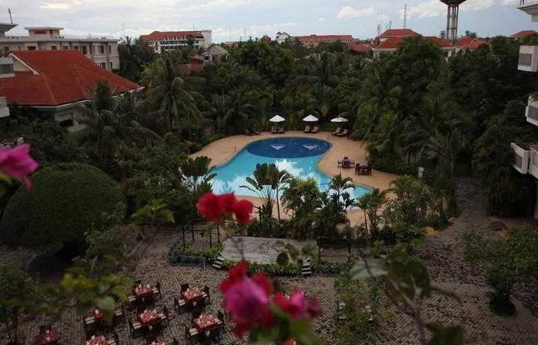Angkor Century Resort & Spa - Pool - 64