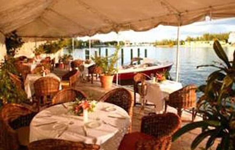 Pelican Bay at Lucaya - Restaurant - 7