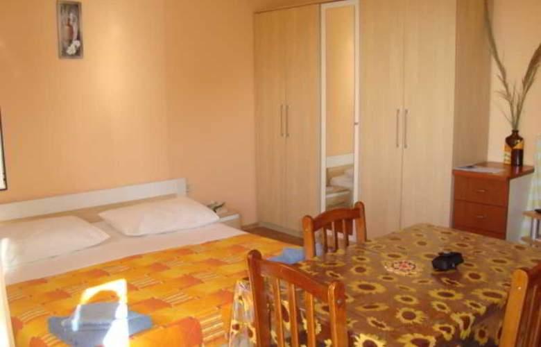 Villa Luketa - Room - 2