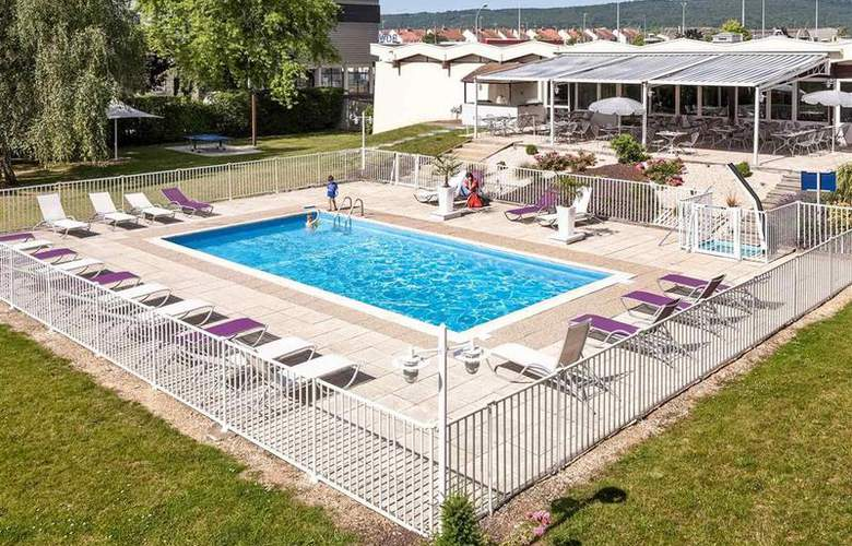 Novotel Dijon Route des Grands Crus - Pool - 2