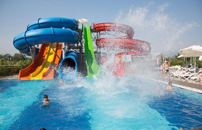 Water Side Delux Resort - Sport - 109