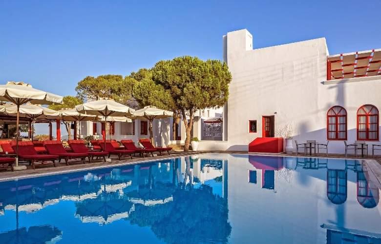 Kalisti Hotel & Suites - Pool - 9
