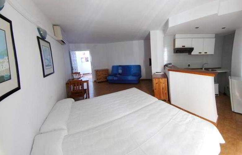 El Divino Apartamentos - Room - 2