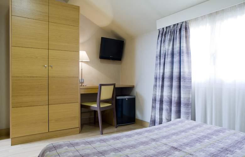 Hostal El Pasaje - Room - 11