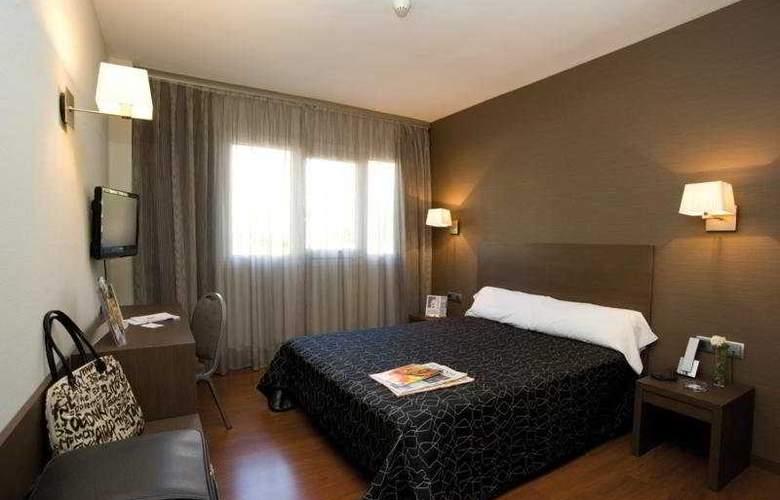 Cisneros - Room - 1