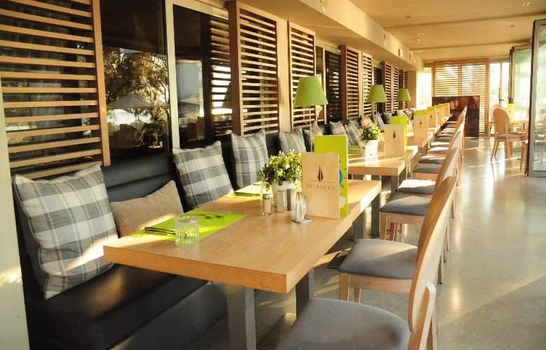 Golden Star Hotel - Restaurant - 36