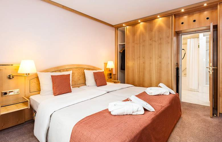 Derag Livinghotel Grosser Kurfürst - Room - 1