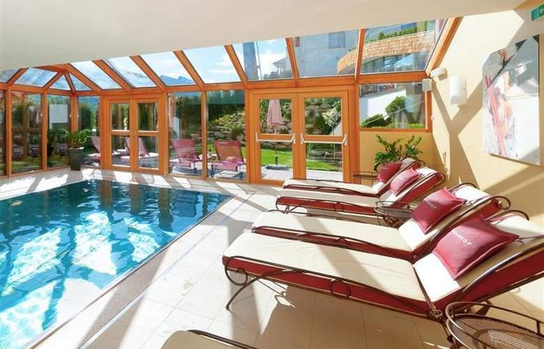 Best Western Premier Kaiserhof Kitzbühel - Pool - 2