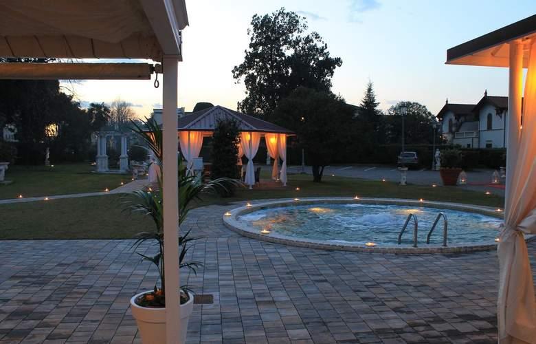Villa Stucky - Pool - 4