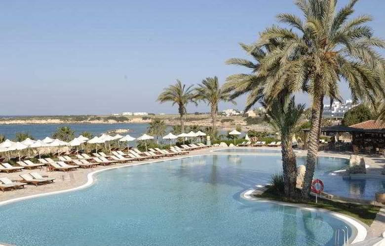 Coral Beach Hotel & Resort - Pool - 4