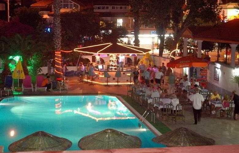Private Hotel - Bar - 8