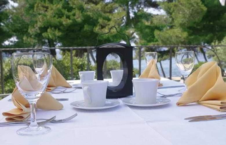 Waterman Supetrus Resort - Terrace - 8