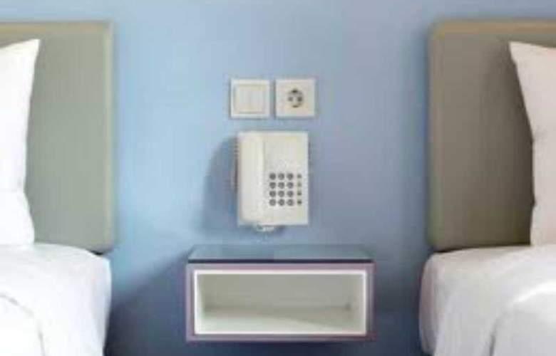Amaris Panakkukang - Room - 7